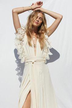 White Flowy Dress, Eyelet Dress, Boho Fashion, Fashion Dresses, Shower Dresses, Casual Fall Outfits, Boho Wedding Dress, Look Cool, Marie