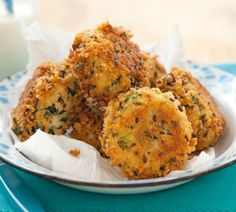 Crunchy Tuna  Spinach Patties -   These tasty tuna patties make a great after school snack for the kids. EasySnackstoMake.net #Appetizers #Healthy #Snacks
