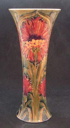 WILLIAM MOORCROFT (1872-1945) William Moorcroft large vase (1913 uk)