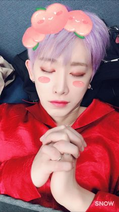 (170514) Kihyun's Fancafe update Monbebes, we've surpassed 2 years. Our hyung is praying we go for 20 years! Even 200 more years together!!! He was actually sleeping like that so I took a...