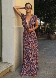 Search for floral maxi dress at ASOS. Shop from over styles, including floral maxi dress. Discover the latest women's and men's fashion online Look Fashion, Womens Fashion, Hippie Fashion, Classy Fashion, Petite Fashion, 80s Fashion, French Fashion, Fashion 2018, Denim Fashion