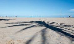 Valencia City Beach, Photo: robert b. fishman