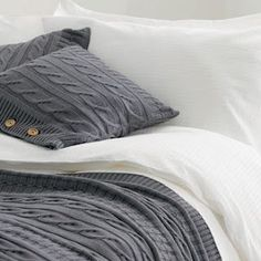 Cable knit bedding. Something about this is so amazing. Like sleeping in your favorite sweater! #MasculineBedding