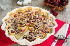 Il clafoutis alle ciliegie è un dolce molto semplice che è di origine francese, ha una consistenza morbida e delicata, un dessert molto gustoso e profumato.