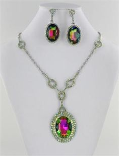 Silver Base Crystal Stone Necklace in Green/AB