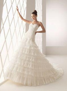 Google Image Result for http://www.weddingdressesclearance.net/images/Aire_Barcelona_Wedding_Dress_benin_201106130.jpg