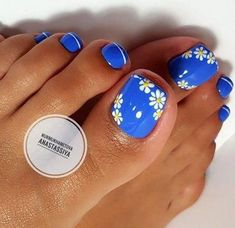 Try some of these designs and give your nails a quick makeover, gallery of unique nail art designs for any season. The best images and creative ideas for your nails. Simple Toe Nails, Pretty Toe Nails, Cute Toe Nails, Summer Toe Nails, My Nails, Summer Pedicures, Beach Toe Nails, Cute Pedicures, Spring Nails