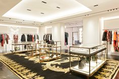 Alexander McQueen has teamed up with London-based David Collins Studio to realize the brand's newly opened Paris flagship store. Arched Windows, Large Windows, David Collins, Velvet Armchair, Parquet Flooring, Upholstered Sofa, Marble Pattern, Mid Century Style, Retail Design