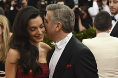 Pin for Later: Zoom Sur Tous les Beauty Looks du Met Gala Amal and George Clooney