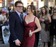 Hayley Atwell And Chris Evans aw Peggy & Cap Hayley Atwell, Hayley Elizabeth Atwell, Robert Evans, Marvel Actors, Marvel Movies, Peggy Carter, And Peggy, Chris Evans Captain America, Agent Carter