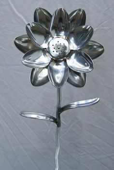 12 Spoon Flower with Shaker center by SpoonArtGallery on Etsy