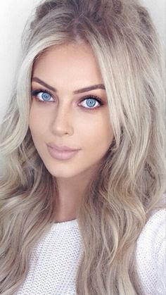 top 10 celebrity human hair wigs – My hair and beauty Brown Blonde Hair, Dark Hair, Pretty Eyes, Beautiful Eyes, Photographie Portrait Inspiration, Grunge Hair, Soft Grunge, Clip In Hair Extensions, Hair Looks