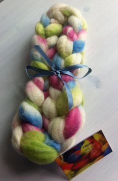 Vår Bluefaced Leicester spinning fiber by Ulljente on Etsy Leicester, Spinning, Fiber, Felt, Hand Painted, Wool, Etsy, Hand Spinning, Felting