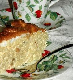 Budinca cu macaroane,branza dulce si stafide - imagine 1 mare Romania Food, Romanian Desserts, My Cookbook, Pastry Cake, Mac And Cheese, Love Food, Delicious Desserts, Delish, Food And Drink