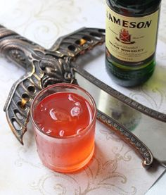 The Kingslayer: A Whiskey Drink - a Game of Thrones inspired drink that's semi-sweet but willing to stab even a king in the back