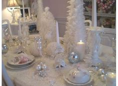 Easy to make Christmas centerpieces (source) Christmas table decoration idea (source) Silver Christmas table setting (source) Christmas Tablescape (Perfect for Last Minute!) (source) Our Christmas … Shabby Chic Christmas, Silver Christmas, Elegant Christmas, Modern Christmas, Christmas Love, Beautiful Christmas, Christmas Holidays, Christmas Calendar, Christmas Ornaments