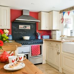 Red, white and blue country kitchen | Period decorating ideas | housetohome.co.uk