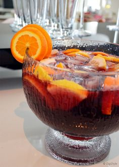Sangria on raikas punaviinipohjainen kesäjuoma. Sangria, Cheers, Drink, Pineapple, Beverage, Drinking