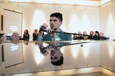 Giovanni Artegiani, giovane vincitore del Premio Lucio Dalla 2016, giovedì 1 dicembre alle ore 21.30 presenterà al pubblico del teatro Bicini di Perugia Ispiramore, suo album di esordio da solista pubblicato con la Seahorse Recording