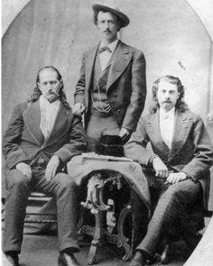 Wild Bill Hickok, Texas Jack Omohundro & Buffalo Bill Cody in 1873 Vintage Pictures, Old Pictures, Old West Outlaws, Westerns, Old West Photos, Into The West, Cowboys And Indians, Real Cowboys, Le Far West