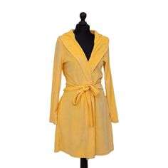 This hooded womens Bath Robe Short, Summer Yellow from Farbenfreunde is a luxuriously soft piece which injects both style and colour to your lifestyle. Machine washable at 30°C and tumble dryer safe on a low heat. Available in small, medium & large as well as other colours. Yellow Baths, Dryer, Wrap Dress, Colours, Lifestyle, Bathroom, Medium, Summer, Stuff To Buy
