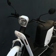 www.lagrangeascooters.com Scooters, Comme, Electric, Motorcycle, Magic, Vehicles, Barn, Eyes, Motor Scooters