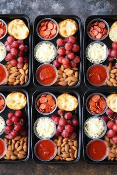 DIY Pizza Lunchables - This is so much better, tastier and healthier than the store-bought kind! Prep/make ahead of time for the week in just min Meal Prep Ideas + Keto Recipes for Fat Loss & Muscle Building Lunch Meal Prep, Healthy Meal Prep, Healthy Snacks, Healthy Eating, Healthy Recipes, Keto Recipes, Healthy Packed Lunches, Healthy School Lunches, Healthy Pizza