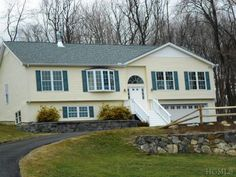 $439,000 133 Wood St Putnam Valley - 4 Bedrooms, 2 Bathrooms :: Home for sale in Mahopac, NY MLS# 3308077. Learn more with The Lou Cardillo Team