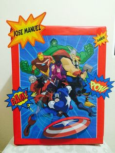Caja para regalos Avengers