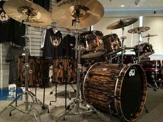 DW. The ultimate set of drums....Awesome