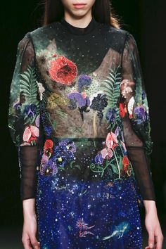 See detail photos for Mary Katrantzou Fall 2017 Ready-to-Wear collection.