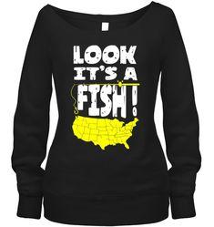 FUNNY USA MAP FISHING LOOK IT'S A FISH Fishing Shop, Best Fishing, Kayak Fishing, Fishing Tackle, Fishing Apparel, Fishing Shirts, Fishing Videos, Fish Design, Fishing Outfits