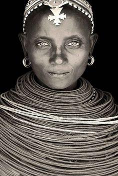 noimagesareutterlysilent:  Samburu Lady