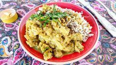 El pollo vegano al curry es una #adaptación #vegana del #pollo al #curry tradicional. Es muy #fácil y #rápido de hacer y supone una #comida muy #completa acompañada de un poco de #arroz y una #colorida #ensalada. Deliciosa receta de @garnnacha
