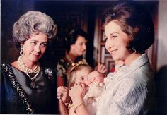 Queen Frederica of Greece and Queen Sofía of Spain.
