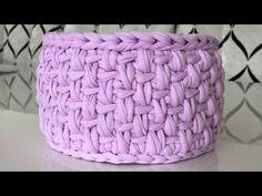 Penye ipten yuvarlak sepet yapımı (model sıra başak) - YouTube Crochet Case, Crochet Bowl, Crochet Storage, Love Crochet, Knit Crochet, Crotchet Patterns, Crochet Basket Pattern, Knit Basket, Knitting Stiches