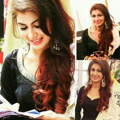 Tv Actors, Actors & Actresses, Sriti Jha, Bollywood, Kumkum Bhagya, Indian Designer Wear, Indian Beauty, Pretty Girls, Cool Hairstyles
