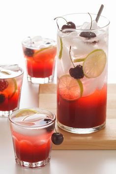 In case you need a little relief from this heat wave… Sparkling Cherry Limeade Printable Recipe 1 pound cherries, pitted 10 ounces su. Non Alcoholic Drinks, Cocktail Drinks, Cocktail Recipes, Drink Recipes, Cold Drinks, Cocktail Ideas, Drinks Alcohol, Fun Recipes, Alcohol Recipes