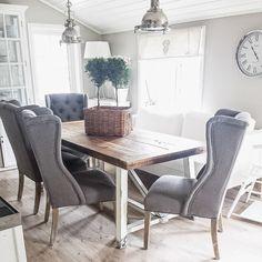 Henriettelavik: nye stoler