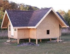 Wow, I could live in this..to heck with the chickens. LOL Raising Back Yard Chickens site.