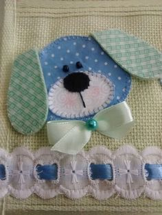 Bird Applique, Baby Bibs, Diy Clothes, Bookmarks, Hand Embroidery, Baby Shower, Quilts, Facebook, Sewing