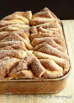 """PÃO DOCE EM FOLHAS COM CANELA - Para quem ainda não conhece, este é um pão feito """"em folhas"""", diferente de um pão """"folhado"""" tipo croissant. É uma massa de pão doce que depo..."""
