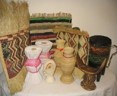 Various traditional Somali artefacts, all handmade. All have a functional purpose from milk storage to burning frankincense/ myrrh, mats, pillows etc. Dirac Somali, Fruit Of The Spirit, Historical Pictures, Design Art, Art Gallery, Africa, Traditional, Handmade, Crafts