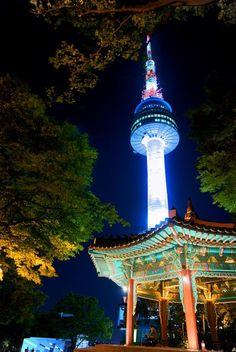 Seoul, Korea - The Seoul Tower... breathtaking views of the entire city! South Korea Seoul, South Korea Travel, Places Around The World, Travel Around The World, Around The Worlds, Republik Korea, Places To Travel, Places To Visit, Korean Peninsula