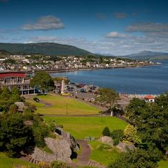 I lived in Dunoon when I was a little girl - it is such a beautiful town.