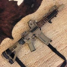 Military Weapons, Weapons Guns, Guns And Ammo, Rifles, Ar Pistol Build, Ar 15 Builds, Gun Art, Firearms, Shotguns