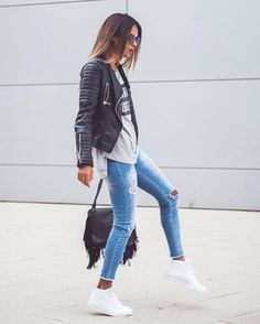 How to Wear Blue Jeans Just the Right Way all women stalk waysify