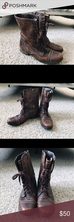 "Steve Madden Troopa Combat Boots ✨MAKE ME AN OFFER ✨The perfect combat boots! Brown leather with a 1"" heel and 7.5"" boot height. Zipper on the side makes it easy to get on/off. Steve Madden Shoes Combat & Moto Boots"