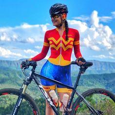 Triathlon Clothing, Cycling Girls, Bicycle Women, Bike Style, Road Bikes, Cycling Outfit, Biking, Gifs, Jumpsuit