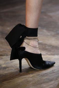 Christian Dior Spring 2016 Couture Accessories Photos - Vogue